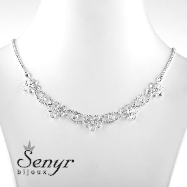 Romantic flower necklace